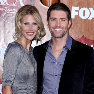 Josh Turner in 2011 American Country Awards - Arrivals - ford-turner-2011-american-country-awards-01