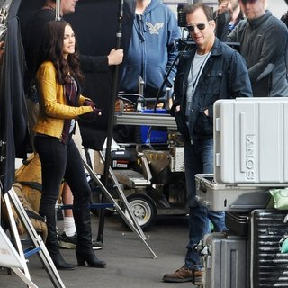 Megan Fox, Will Arnett in Reshoots of The Movie Teenage Mutant Ninja Turtles