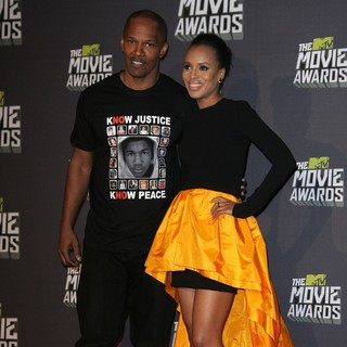 Jamie Foxx, Kerry Washington in 2013 MTV Movie Awards - Press Room
