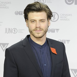Francois Arnaud in 2012 JUNO Awards - Arrivals - francois-arnaud-2012-juno-awards-01