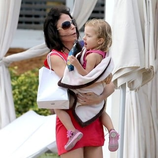 Bethenny Frankel, Bryn Hoppy in Bethenny Frankel and Bryn Hoppy Enjoy A Weekend Holiday