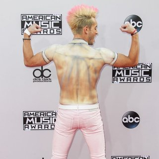 Frankie James Grande in 2014 American Music Awards - Arrivals
