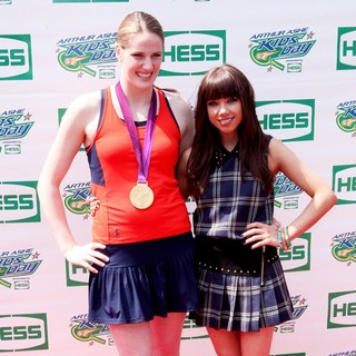 Missy Franklin, Carly Rae Jepsen in Arthur Ashe Kids Day 2012