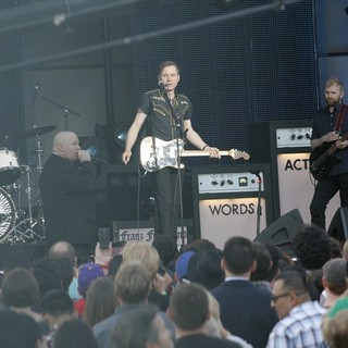 Franz Ferdinand Performing at  Jimmy Kimmel Live! - franz-ferdinand-performing-at-jimmy-kimmel-live-04