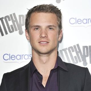 Freddie Stroma in Los Angeles Premiere of Pitch Perfect