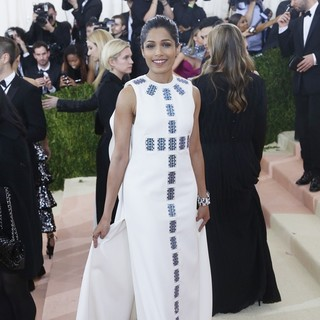 Freida Pinto in Manus x Machina: Fashion in An Age of Technology Costume Institute Gala