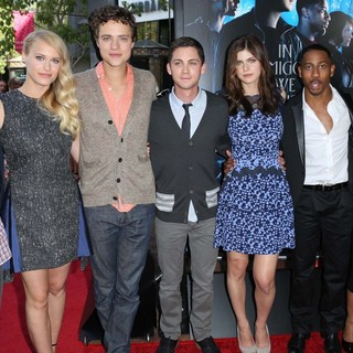 Thor Freudenthal, Leven Rambin, Douglas Smith, Logan Lerman, Alexandra Daddario, Brandon T. Jackson, Yvette Nicole Brown in Percy Jackson: Sea of Monsters Premiere