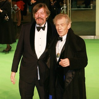 Ian McKellen in The Hobbit: An Unexpected Journey - UK Premiere - Arrivals - fry-mckellen-uk-premiere-the-hobbit-an-unexpected-journey-03