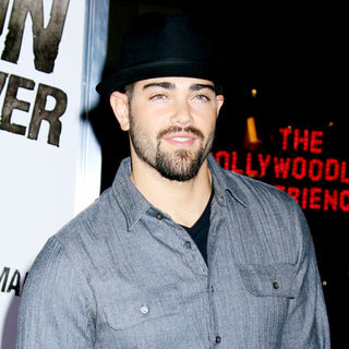 Jesse Metcalfe in Los Angeles Premiere of 'The Book Of Eli' - Arrivals