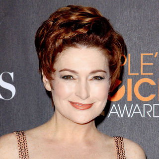 Carolyn Hennesy in People's Choice Awards 2010