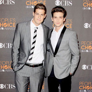 Greg Finley, Daren Kagasoff in People's Choice Awards 2010