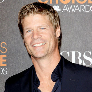 Joel Gretsch in People's Choice Awards 2010