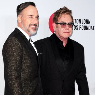 Elton John - Elton John AIDS Foundation's 13th Annual An Enduring Vision Benefit - Red Carpet Arrivals