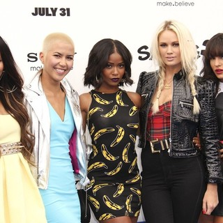 G.R.L. in The Los Angeles Premiere of The Smurfs 2 - Arrivals