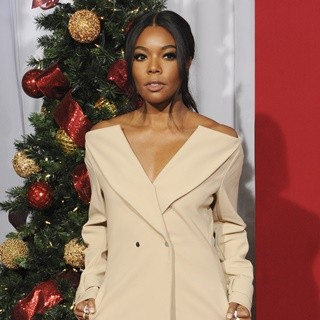 Gabrielle Union - Premiere of Almost Christmas