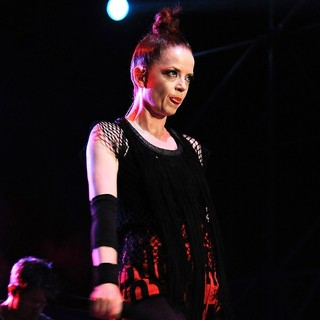 Shirley Manson, Garbage in Garbage Perform on Stage at 10 Giorni Suonati 2012