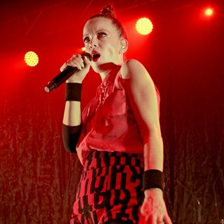 Shirley Manson, Garbage in Garbage Performing Live