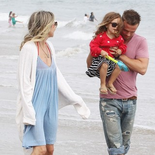 Dominique Geisendorff, Everleigh Ray Gigandet, Cam Gigandet in Cam Gigandet and Dominique Geisendorff Walk with Everleigh Ray Gigandet on The Beach