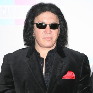 Gene Simmons in 2011 American Music Awards - Arrivals