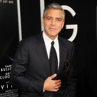 George Clooney in New York Premiere of Gravity - Arrivals - george-clooney-premiere-gravity-02