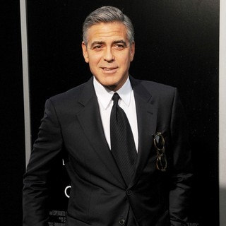 George Clooney in New York Premiere of Gravity - Arrivals - george-clooney-premiere-gravity-03