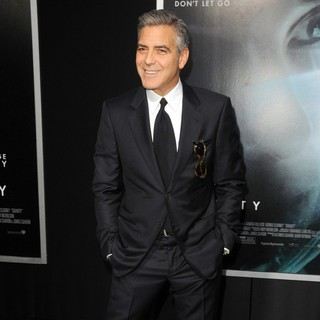George Clooney in New York Premiere of Gravity - Arrivals - george-clooney-premiere-gravity-04