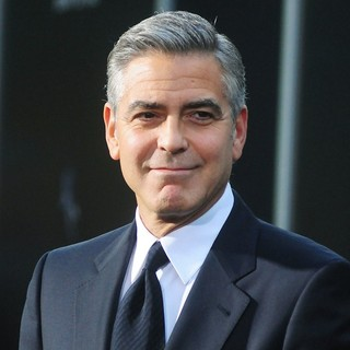 George Clooney in New York Premiere of Gravity - Arrivals - george-clooney-premiere-gravity-05