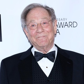 George Segal in 40th Anniversary Chaplin Award Gala Honoring Barbra Streisand