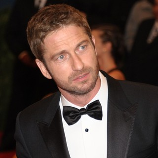 Gerard Butler in PUNK: Chaos to Couture Costume Institute Gala - gerard-butler-punk-chaos-to-couture-costume-institute-gala-01