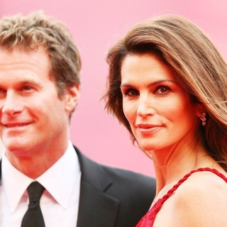 Rande Gerber, Cindy Crawford in 68th Venice Film Festival - Day 1 - The Ides of March - Red Carpet