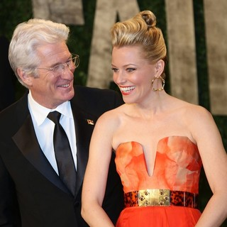 Richard Gere, Elizabeth Banks in 2013 Vanity Fair Oscar Party - Arrivals