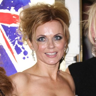 Geri Halliwell, Spice Girls in VIVA Forever Spice Girls The Musical - Arrivals