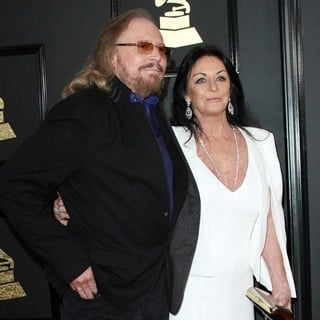 Barry Gibb, Linda Gray in 59th Annual GRAMMY Awards - Arrivals