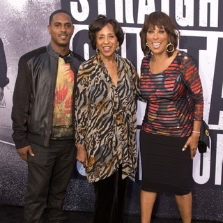 Marla Gibbs, Angela Gibbs in World Premiere of Universal Pictures' Straight Outta Compton - Arrivals