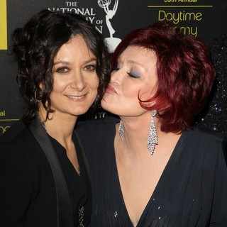 Sara Gilbert, Sharon Osbourne in 39th Daytime Emmy Awards - Arrivals