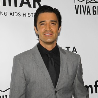 Gilles Marini in 2013 amfAR Inspiration Gala Los Angeles Presented by MAC Viva Glam - gilles-marini-2013-amfar-inspiration-gala-06