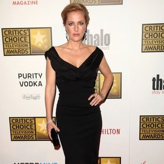 Gillian Anderson in 2012 Critics' Choice TV Awards - Arrivals - gillian-anderson-2012-critics-choice-tv-awards-03
