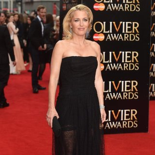 Gillian Anderson - The Olivier Awards 2015 - Arrivals