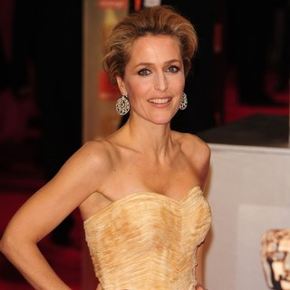 Gillian Anderson in Orange British Academy Film Awards 2012 - Arrivals - gillian-anderson-orange-british-academy-film-awards-2012-02