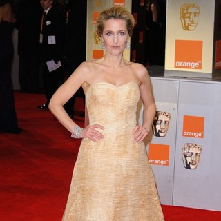 Gillian Anderson in Orange British Academy Film Awards 2012 - Arrivals - gillian-anderson-orange-british-academy-film-awards-2012-03
