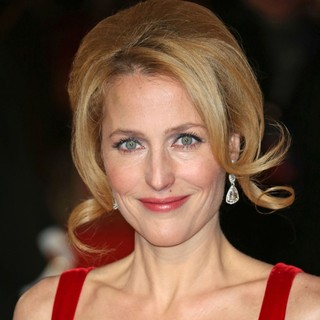 Gillian Anderson in Les Miserables World Premiere - Arrivals - gillian-anderson-uk-premiere-les-miserables-01