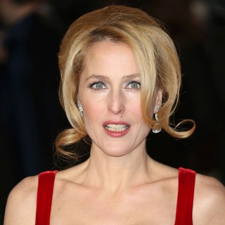 Gillian Anderson in Les Miserables World Premiere - Arrivals - gillian-anderson-uk-premiere-les-miserables-02