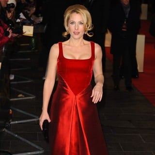 Gillian Anderson in Les Miserables World Premiere - Arrivals - gillian-anderson-uk-premiere-les-miserables-04