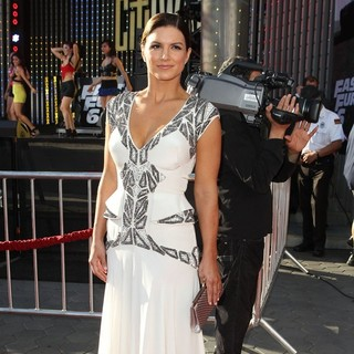 Gina Carano in Los Angeles Premiere of Fast and Furious 6 - gina-carano-la-premiere-fast-and-furious-6-02