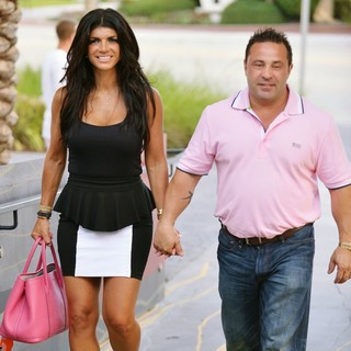 Teresa Giudice, Joe Giudice in Teresa Giudice and Joe Giudice Greet Fans and Signs Copies of Book Fabulicious on The Grill