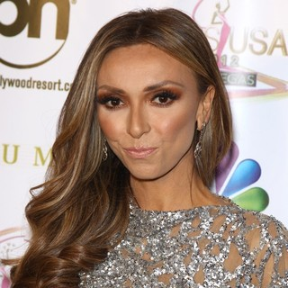 Giuliana Rancic in 2012 Miss USA Pageant - Red Carpet