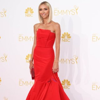 Giuliana Rancic in 66th Primetime Emmy Awards - Arrivals - giuliana-rancic-66th-primetime-emmy-awards-02