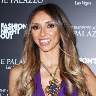 Giuliana Rancic in Fashion's Night Out - The Shoppes