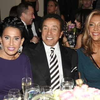 Frances Gladney, Smokey Robinson, Denise Rich in The Angel Ball 2012