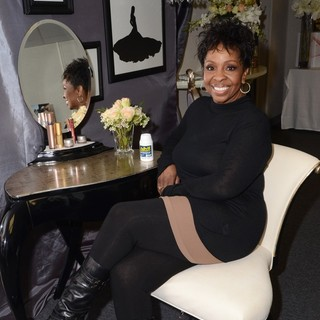 Gladys Knight in 14th Season of Dancing with the Stars Backstage Gifting with SocialHill